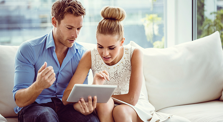 Picking a Real Estate Agent through Facebook | Simplifying The Market