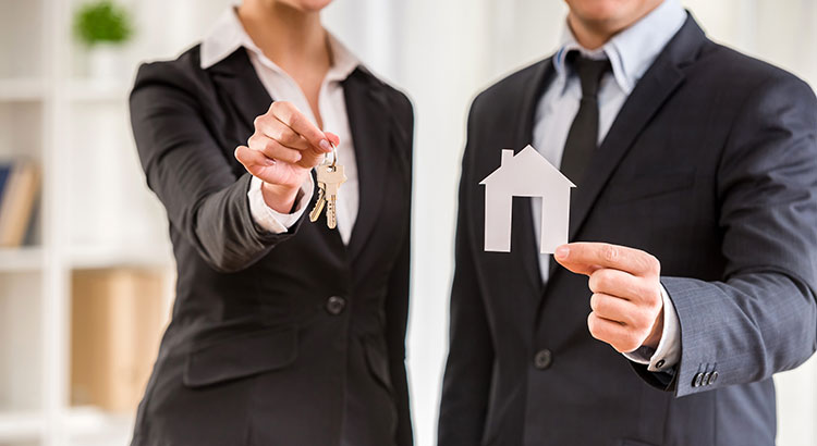 5 Reasons to Hire a Real Estate Professional When Buying & Selling! | Simplifying The Market