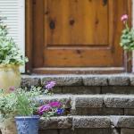 ¿Planea mudarse? Todavía puede asegurar una tasa hipotecaria baja en su próxima casa