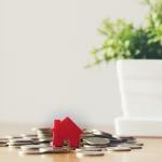 El impacto económico y comunitario de la venta de una casa